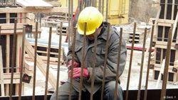 Легализация трудовых мигрантов в России стала прибыльным бизнесом – эксперт
