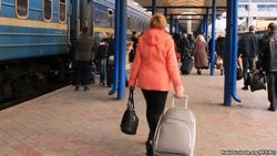 Молодежь бежит из Крыма
