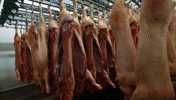 Новый виток в торговой войне: Москва запретила ввоз свинины из Беларуси