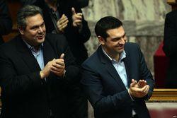 Министр обороны Греции назвал украинскую власть фашистской