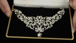 В отличие от золота спрос на бриллианты в России не падает