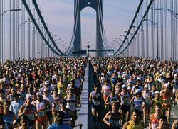 Нью-йоркский марафон привлекает тысячи людей