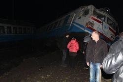 Электричка Фастов-Киев протаранила военный грузовик