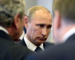 Путин не доверяет никому, даже своим людям – WSJ