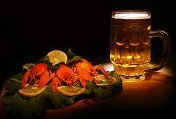 Названы самые популярные закуски к пиву у россиян
