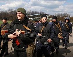 Славянск будут патрулировать военные на вертолетах и БТР