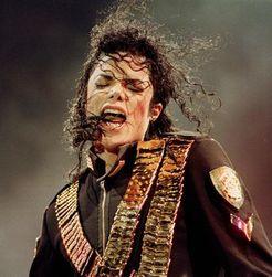 После смерти Майкл Джексон сумел заработать $700 млн