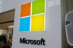 На фоне смены руководства акции Microsoft растут