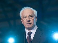 """Азаров не доволен программой """"Доступное жилье"""""""