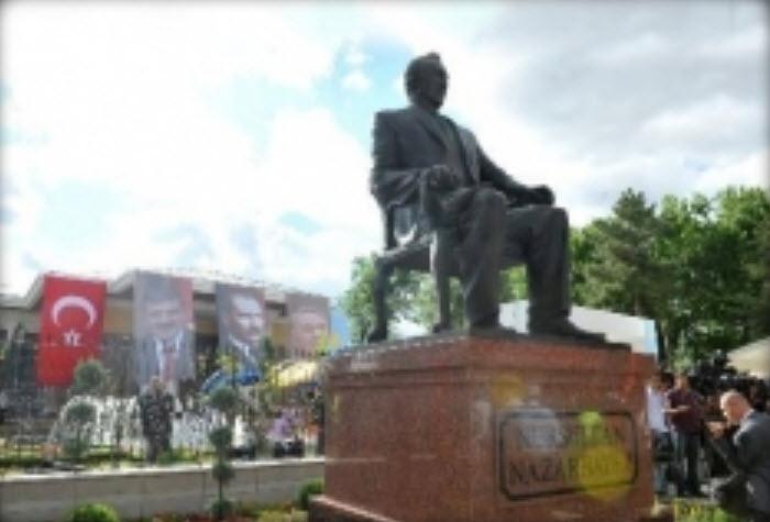 В анкаре открыт памятник нурсултану
