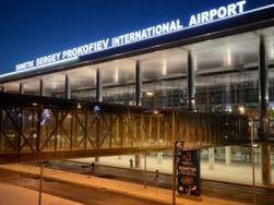 Донецкий аэропорт не принимает самолеты с утра