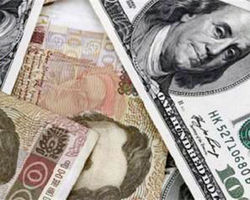 Рост курса доллара в Украине повлияет на цену большинства товаров - эксперт