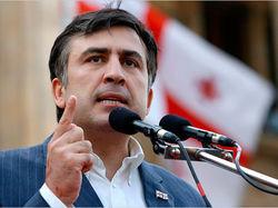 Саакашвили в последние дни правления решил раздать гражданство Грузии всем желающим