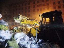Демонтаж баррикады на Грушевского