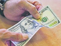 Украина первой в СНГ получила новые 100-долларовые купюры