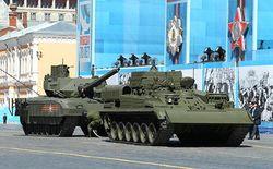 Танк «Армата» заглох во время генеральной репетиции на Красной площади