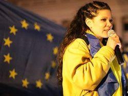 СМИ: Руслана пригрозила сжечь себя на Майдане