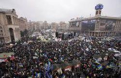 Майдан в Киеве созывает в пятницу внеочередное Народное вече