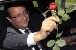 Свадьба 60-летнего Франсуа Олланда назначена на 12 августа – СМИ