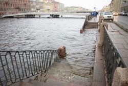 В Петербурге ожидается шторм, грозит наводнение