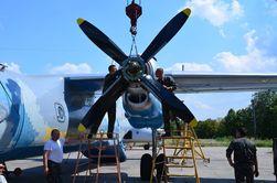 Волонтеры и ГП «Антонов» дали списанному Ан-26 новую жизнь – его ждут на АТО