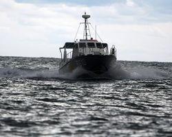 Пограничники России обстреляли украинский катер и задержали рыбаков