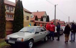 В Украине Евромайдан пикетировал дачу кума Путина - Виктора Медведчука