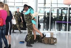 Украинские миротворцы ООН вернулись из Африки воевать за страну