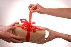 Определены лидеры среди магазинов подарков в русском Интернете