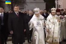 Бывшая власть вкладывала миллионы в церковь и шантаж Владимира