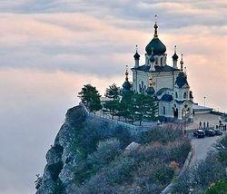 Вооруженные личности похитили священника в Севастополе