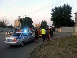 Отголоски войны: на улицах Ростова-на-Дону жители заблокировали БТРы