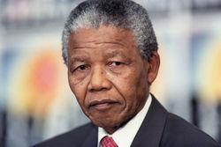 Нельсона Манделу похоронят в родной деревне