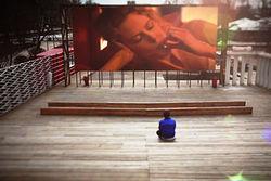 Впервые в Украине: В новом кинотеатре в Симферополе поставят кресла-кровати