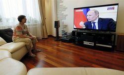 Россияне стали меньше смотреть ТВ-новости и доверять им