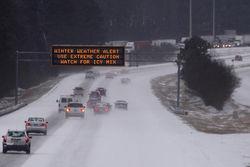 Режим чрезвычайного положения объявлен в шести штатах США из-за снегопадов