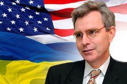 Янукович умер как политик - посол США в Украине