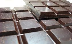 Шоколад помогает подросткам сосредоточиться и управлять своими эмоциями