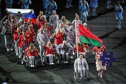 Установлено имя белоруса, развернувшего флаг России на открытии Паралимпиады