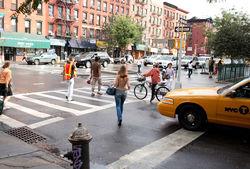 Американки в шестой раз отметили День топлес, разгуливая по улицам городов