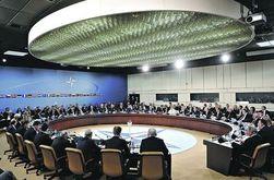 Украина хочет изменить внеблоковый статус. Эксперты: в НАТО нас не берут