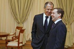 Зачем Лавров поддел Медведева в вопросе дипотношений с Украиной