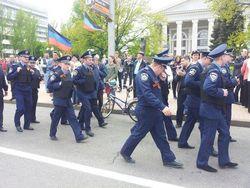 Управления милиции Донецка и Луганска отправили в Мариуполь и Сватово