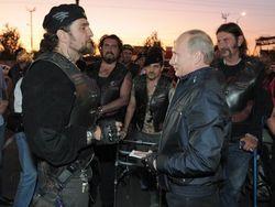 """Друг Путина - байкер """"Хирург"""" - приехал в Севастополь спасать город от Евромайдана и сатанизма"""