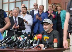 Врач сообщил, что мэр Харькова сможет ходить