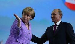 Меркель надеется, что Путин поддержит мирный план Порошенко