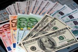 Рыночный курс доллара и евро по отношению к сому на Форексе 4 марта остается высоким