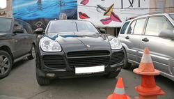 В Москве грабитель на Porsche Cayenne отобрал у экспедитора 500 тысяч рублей