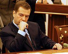 Состоялась консультация Медведева с эсерами