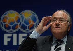 Европарламент потребует от Блаттера немедленно покинуть ФИФА